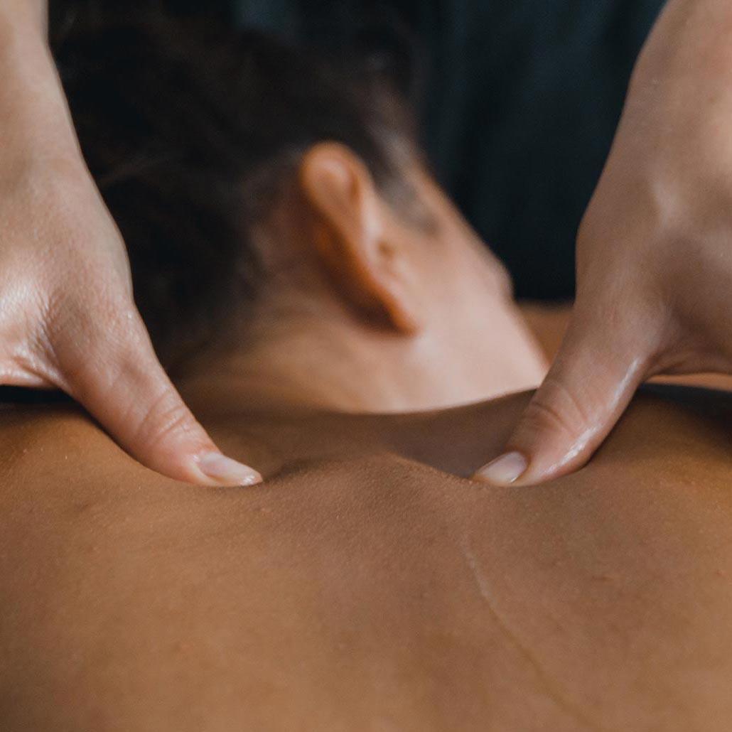 Rücken, Schuler und Nackenmassage